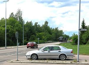 Belysningen försvinner på Skultunavägen, från gång- och cykeltunneln norr om Rönnbyvägen och norrut.