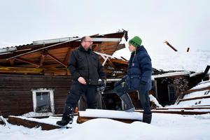 För Thomas Nordström och hans sambo Anna Olofsson ligger fokus just nu på att rädda katten Sigge som blev kvar inne i rasmassorna.