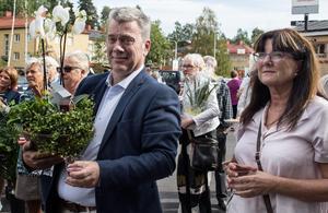 Anders Lindh (M) är ordförande för socialnämnden, Christina Knutsson (S) tidigare ordförande. Båda har varit med i förberedelserna för Fontänhuset.