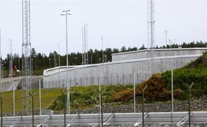 Landets fängelser är fullbelagda. Störst är problemen på anstalter med hög säkerhetsklass, som i Saltvik.