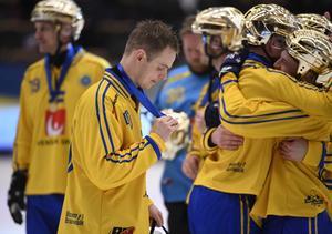 Adam Gilljam med guldmedaljen. BILD: Janerik Henriksson/TT