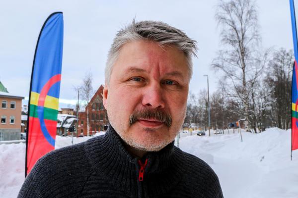 Anders Kråik, Handölsdalens sameby. Styrelseledamot i Sametinget för partiet Samerna.