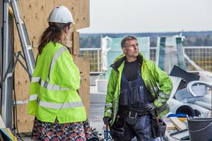 Thomas Andersson är med och jobbar med huset.