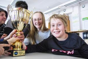 Irma Aspenfelt och Axel Bergkvist var utsedda av klassen att tävla i Vi i femman.