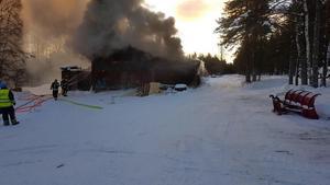 Branden totalförstörde hyvleriet i Kumbelnäs på nyårsdagen i år. Foto: Jimmy Olsson