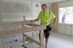 Det kommer bli jättefint när renoveringen är klar, kan Asplund  lova. Han har hållit i åtskilliga rot-projekt genom åren, Regnbågen är stort och jobbet kunde gärna ha planerats mer noga innan det startade, anser han.