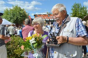 Claes-Bertil Ytterberg tillsammans med hustrun Mariann när han tilldelades utmärkelsen
