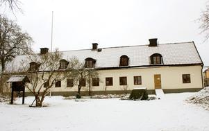 Under senare år har fokus för Roslagsmuseet handlat om invändigt eller utvändigt trapphus på faktoribyggnaden, men knappast något om den kommande verksamheten, som är den viktiga frågan, skriver Per Börjesson.