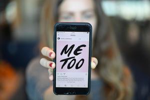 #MeToo har satt en kraft i rörelse som bara växer. Varje dag som vi tar del av berättelserna ställer vi oss frågan: hur har det här kunnat få hända, frågar 15 företrädare för Liberalerna. Foto: Fredrik Sandberg, TT