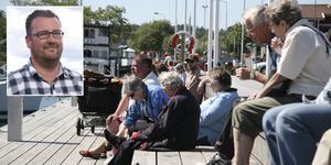 Rikard Andersson, gästhamnschef, är medveten om toalettproblemet och tänker sig en lösning med öppet dagtid i sommar.