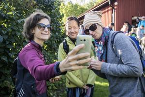 Åsa Claar, Emma Johansson och Annie Claar var taggade inför årets upplaga av Nya Roslagsmarschen.