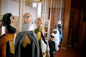 Till helgen får dockorna liv i Kulturskolan.
