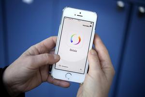 Skatteverket öppnar för möjligheten att betala in skattepengar med mobiltjänsten Swish.