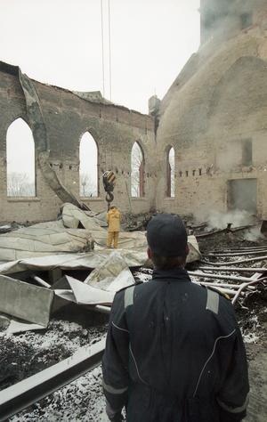 Nästan ingenting, förutom relikskrinet, gick att rädda från branden. Foto: Hans-Åke Sandberg