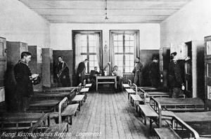 Tre gånger gjorde soldaterna på Viksäng uppror under revolutionsåret 1917. Bilden är ett samtida vykort.