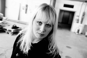 INTRESSERAD AV ONDSKA. Författaren Ann Heberlein.