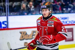 Linus Öberg i Örebros A-lagströja. Bild: Johan Bernström/Bildbyrån