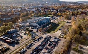 Bernerstomten och Sporthallen i Sundsvall. Bild: Jan Olby