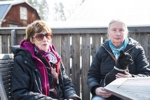 Inger och Doris Strömgren njöt av det fina vädret.