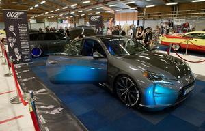 Lukas Koos ställde ut sin James Bond-inspirerande bil som han har byggt själv.