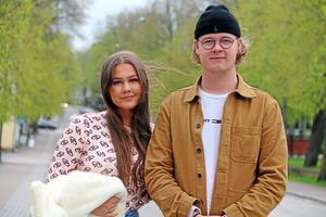 Hanna Ebenhardt och Teodor Ahlqvist ska ta studenten i år och är engagerade i elevkåren på Ållebergsgymnasiet.