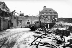 21 december 1966. Erik Hahrs debutbyggnad rivs. Foto: VLT:s arkiv