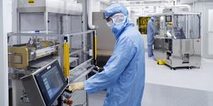 Delar av 3M:s produktion är av produktionstekniska skäl omgärdad av rigorösa bestämmelser och är helt dammfria. FOTO: Per Eriksson