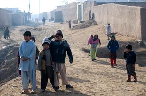 Barn i Panchjshir, en förort till Mazar-e-Sharif i norra Afghanistan.