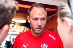 Andreas Granqvist pratar med media efter sin comeback i Helsingborg. Matchen mot J-Södra slutade 3-1 till skåningarna.