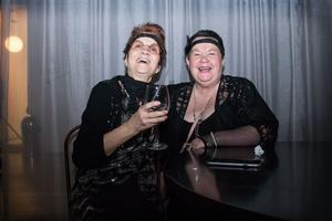 Anna-Lena Fryklund och Lina Marklund från Sundsvall stormtrivdes.