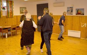 Det bjöds också upp till dans i Hammerdal. Foto: Torsten Eriksson