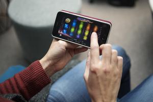 Online kasinospel i mobiltelefon gör att du aldrig är långt från möjligheten att spela.