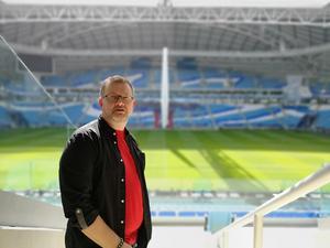 Magnus Björkman, vd på Tension, på Al-Wakrah-arenan i Qatar. Pressbild.