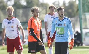 Efter ett år med rehab är målvakten Niclas Larsson äntligen på banan igen – frågan är om han är laddad för ytterligare en (hel) säsong?