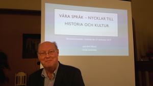 Professor Lars-Erik Edlund föreläste om