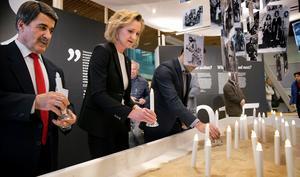 Bilden är från invigningen av en utställning  om folkmordet som visades i Stadshuet 2016. Foto: Mats Andersson.