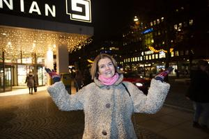Ellenor Pierre som jobbar på Coop Mitts personalavdelning i Gävle och bjuder in till julgemenskap på Coop Nian.