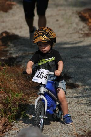 En av dom yngsta deltagarna i tävlingen.Foto: Gösta Söder