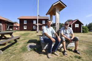 Bärsgard i Vinäs med Anders Johansson och Sven Persson.