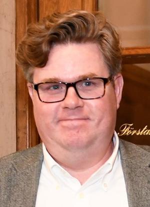 Gunnar Strömmer är sedan oktober 2017 (han tillträdde i samband med Ulf Kristerssons tillträde som partiordförande) partisekreterare i Moderaterna.