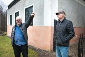 Mats Westin och  Lennart Bryngelssom konstaterar att boendemiljön är fantastisk på herrgården.