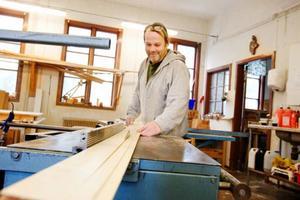 Snickeriverksamheten blir till en början grunden i verksamheten, men Anders Hansson och företagets andra medlemmar har en mängd andra idéer på vad de kan utföra. Foto: Ulrika Andersson