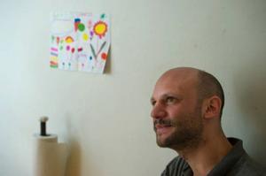 Stephan Mendel-Enk har skrivit en roman - men utgått från egna smärtsamma upplevelser.