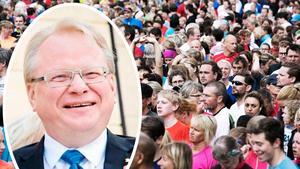 På måndag kväll hålls Blodomloppet i Borlänge, vilket lockar tusentals deltagare. En av dem är försvarsministern Peter Hultqvist, som även är ordförande för Socialdemokraterna i Dalarna. Foto: Johan Solum och Klockar Mattias Nääs