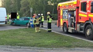 En av bilarna fick rejäla skador i fronten.