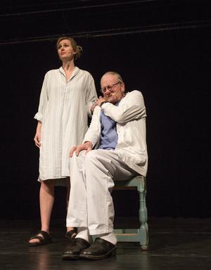 Camilla Westman och Lars-Gustav Eriksson ger ett smakprov ur den kommande föreställningen.
