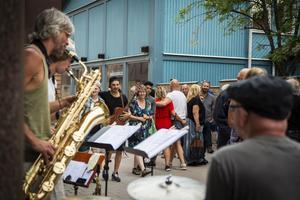 Folklore Guerilla bjuder på kompositioner av bandmedlemmen Olle Lindvall.