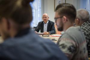 Kjell Nyström har haft två höga chefsjobb samtidigt. I sommar går han i pension, meddelar Nyström, då 64 år.