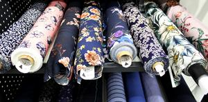 Stoff & Stil köper dels sina tyger från Asien med de har även egna designers i Danmark.