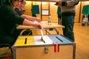Bild från vallokalen i Gällö skola.